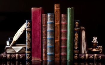 40339372 - old vintage books